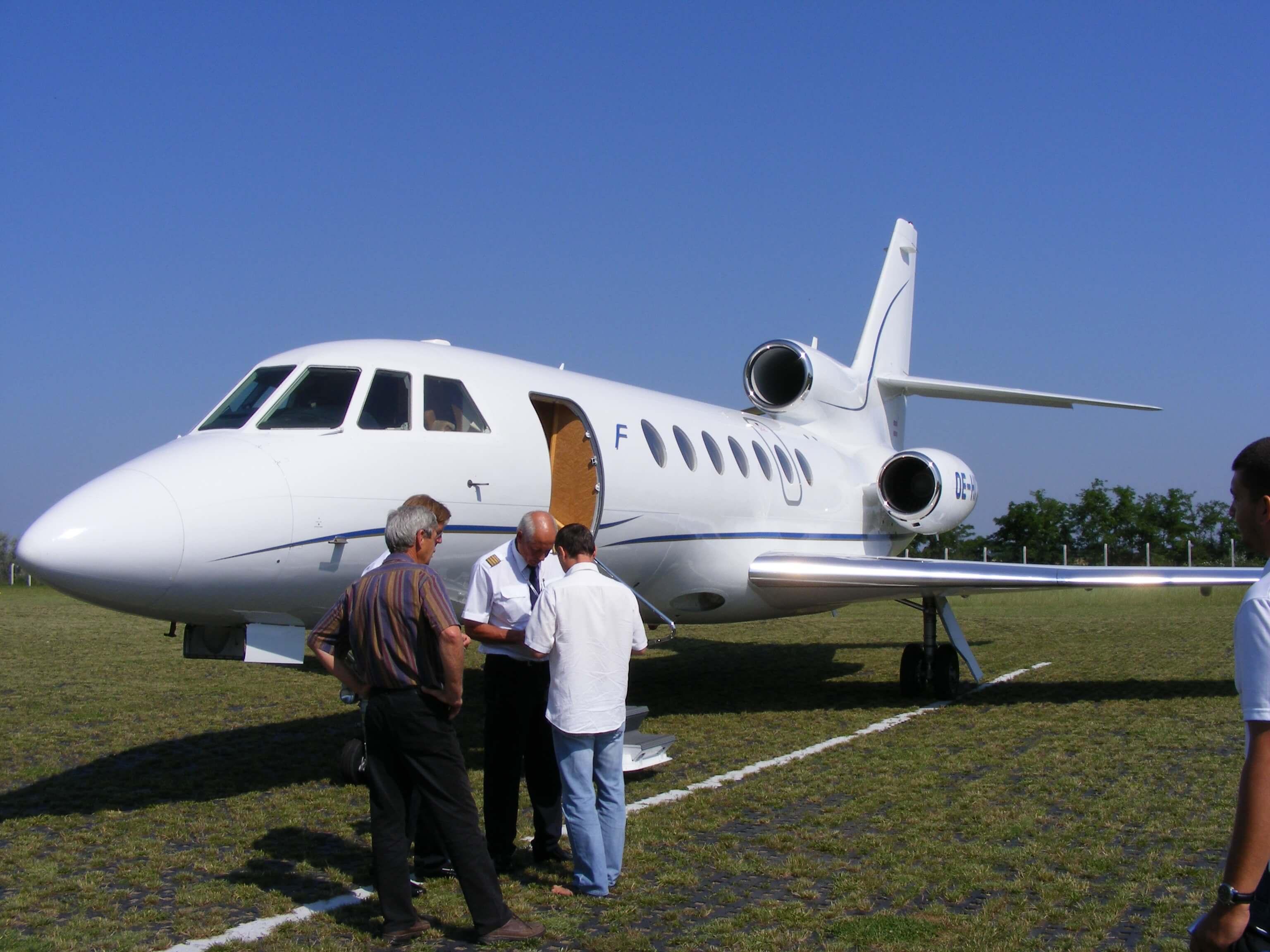 Dassault-Falcon-50
